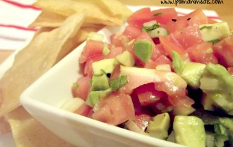 avocado-and-tomato-salsa-with-homemade-tortilla-chips1wm