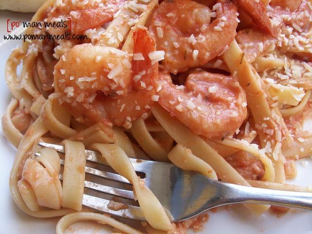 shrimp-fettuccine-with-parmesan-tomato-sauce11wm